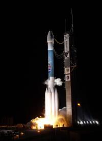 MESSENGER startuje pomocí rakety Delta II - 900x1236x16M (51 kB)