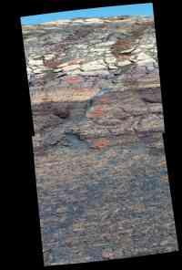Sedm děr ve svahu - 900x1331x16M (149 kB)
