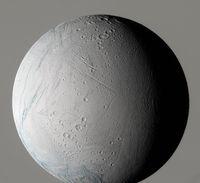 Polokoule Encelada - 1013x930x16M (84 kB)
