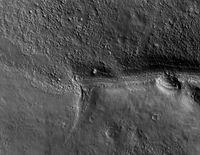 První snímek HiRISE - 1092x851x16M (309 kB)