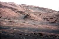 Vrstvy na úpatí Mount Sharp - 1463x978x16M (217 kB)